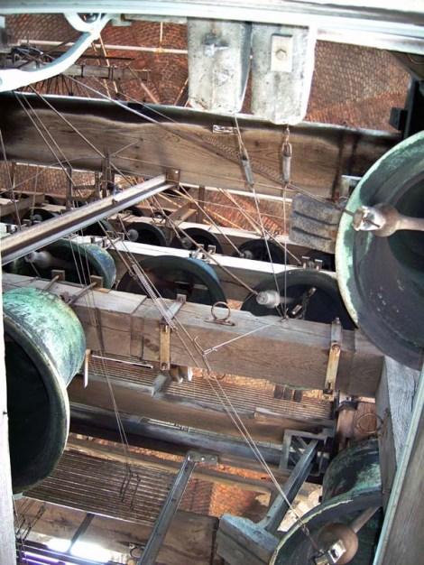 Carillon - Brujas